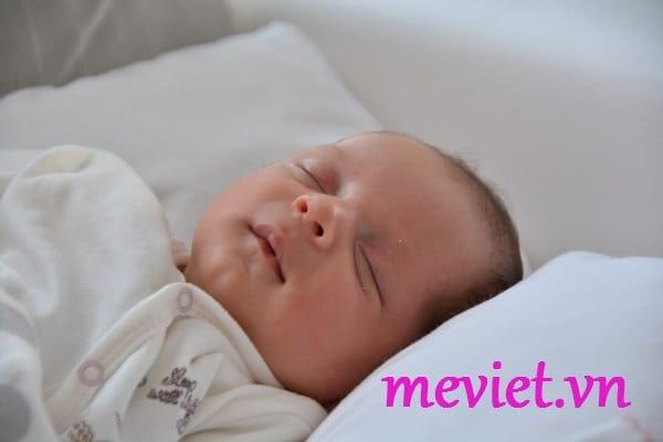 trẻ sơ sinh bịviêm dadị ứng